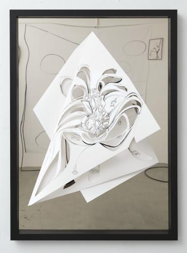 Balancing the whimsical 8, 2016, Tusche auf Papier,Spiegelmetall,Cutouts, 104,5 x 74,5 cm